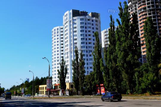 Фото - Продам квартиру Киев, Крушельницкой Саломеи ул.