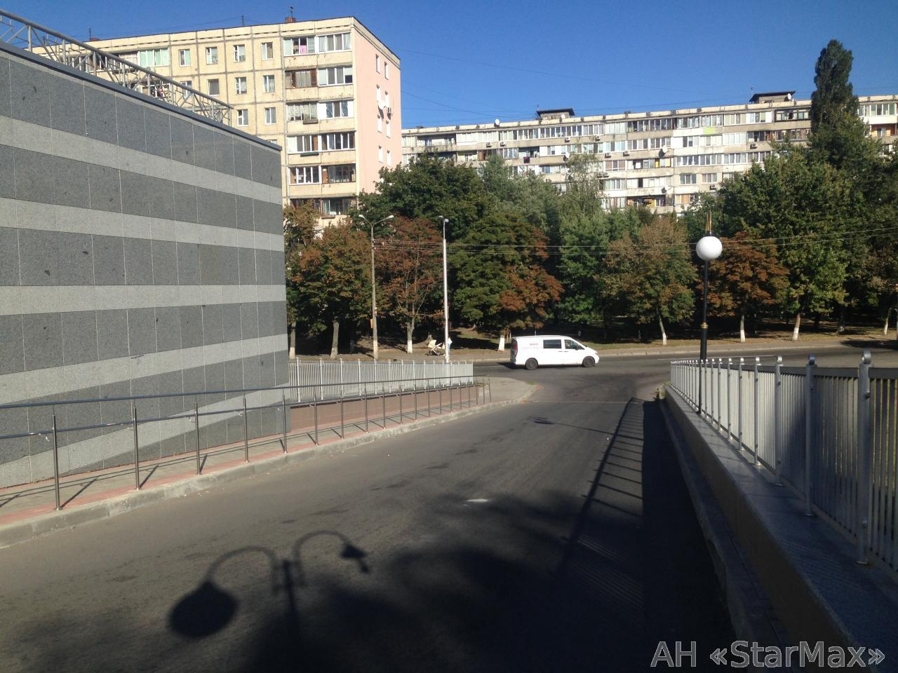 Фото 5 - Продам квартиру Киев, Ушакова Николая ул.