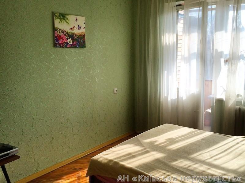 Фото 2 - Продам квартиру Киев, Туполева Академика ул.