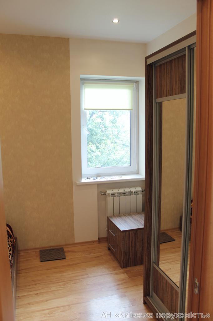 Фото 3 - Продам квартиру Киев, Ереванская ул.