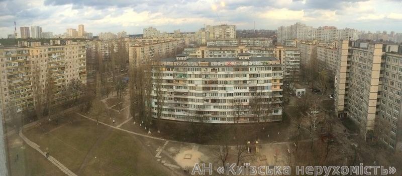 Фото 2 - Продам квартиру Киев, Наумова Генерала ул.