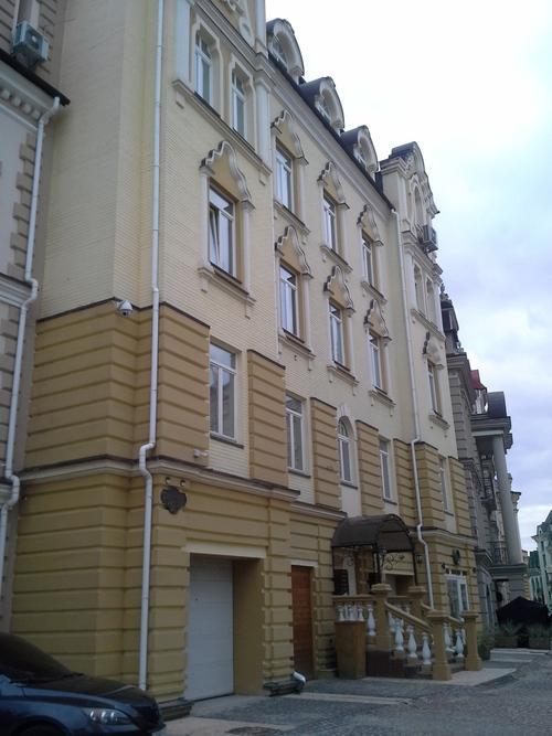 Фото - Продам квартиру Киев, Кожемяцкая ул.