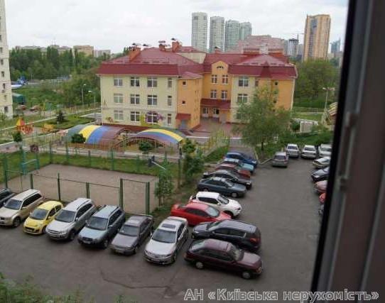 Фото 2 - Продам квартиру Киев, Эрнста Федора ул.