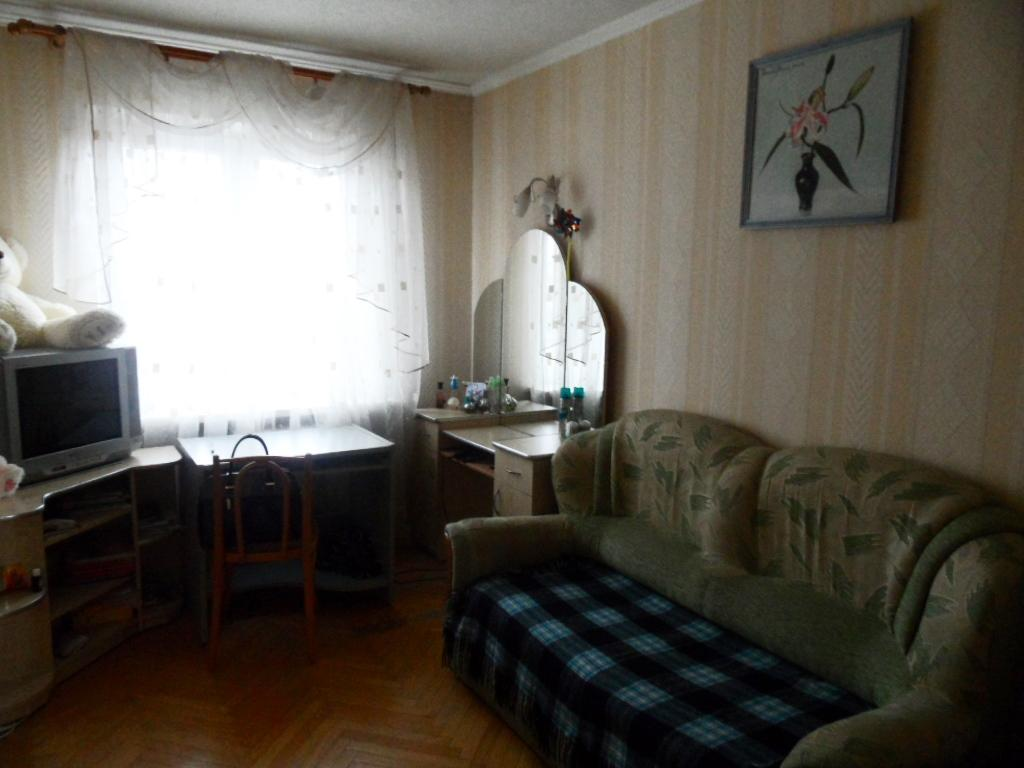 Фото 4 - Продам квартиру Киев, Серафимовича ул.