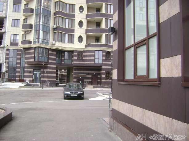 Фото 2 - Продам квартиру Киев, Барбюса Анри ул.