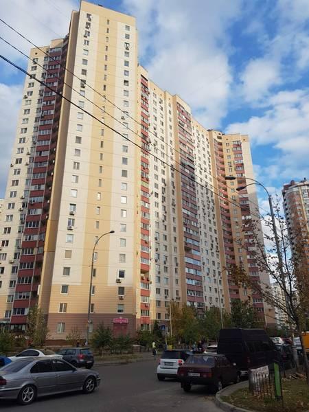 Продам 2-комн. квартиру по адресу Украина, Киевская область, Киев, Урловская ул., 20 фото 1 по выгодной цене