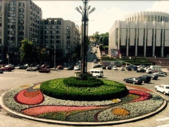 Фото - Продам квартиру Киев, Трехсвятительская ул.
