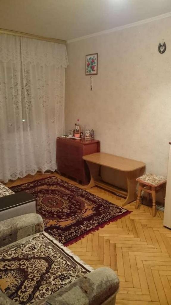 Фото - Продам квартиру Киев, Героев Севастополя ул.