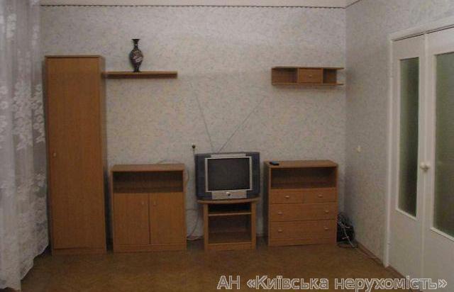 Фото 3 - Продам квартиру Киев, Ялтинская ул.