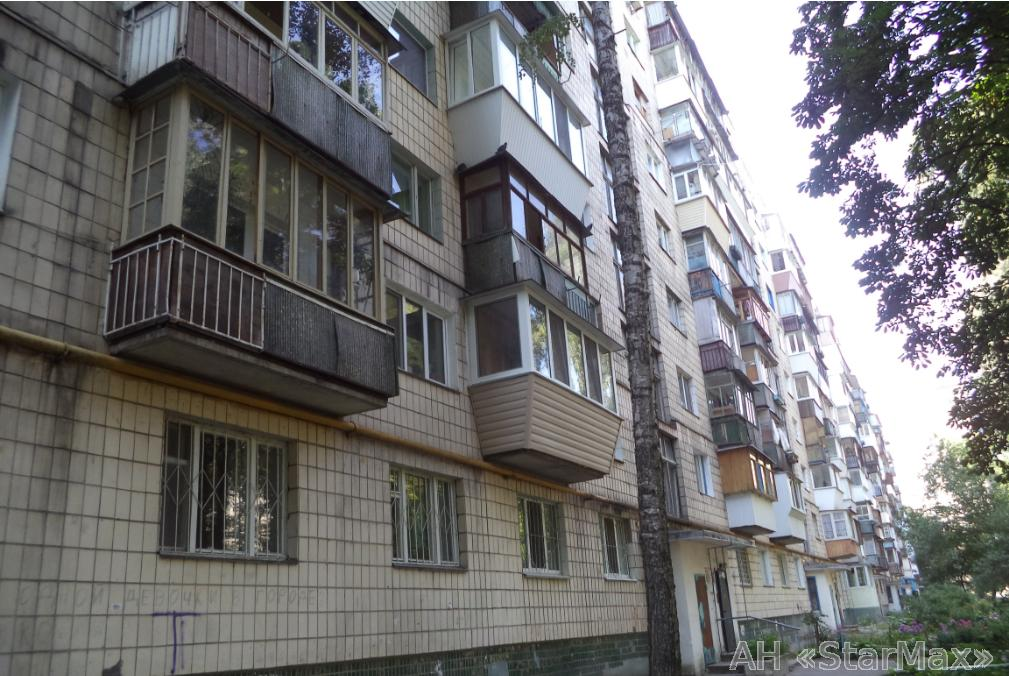 Фото 2 - Продам квартиру Киев, Сосниных Семьи ул.