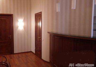 Фото 2 - Продам офисное помещение Киев, Шелковичная ул.