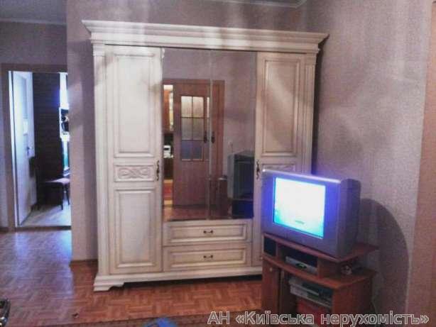 Фото - Продам квартиру Киев, Олевская ул.