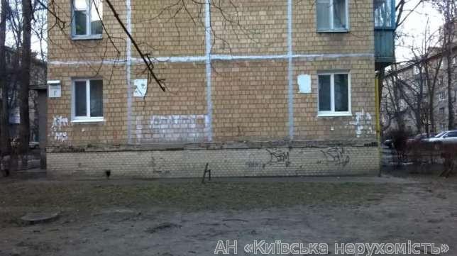 Фото - Продам квартиру Киев, Потапова Генерала ул.