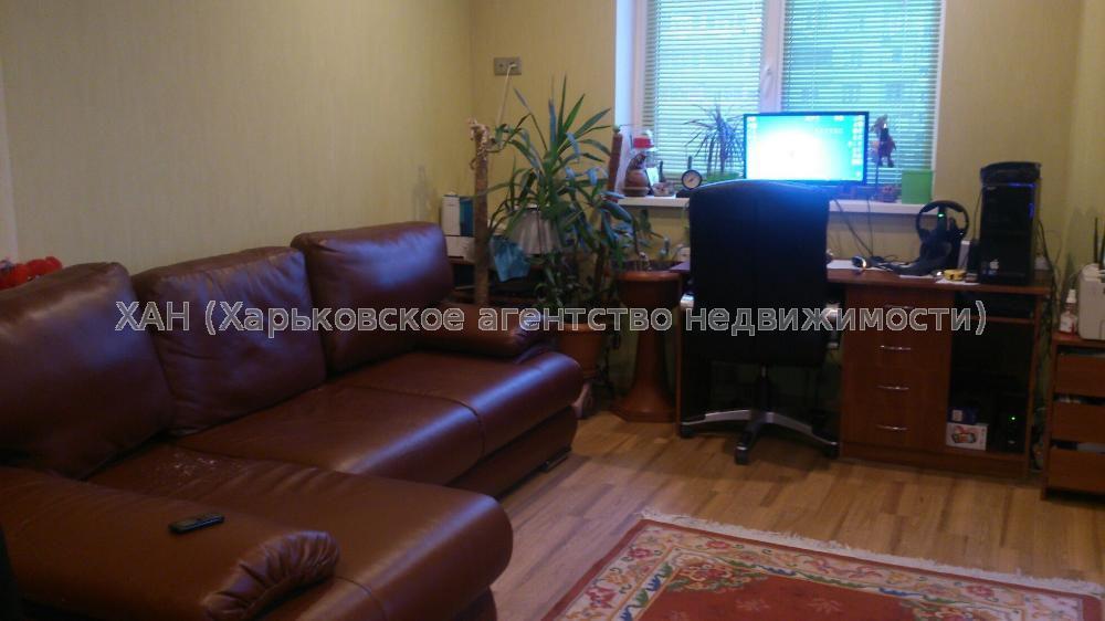 Продам квартиру Харьков, Гвардейцев Широнинцев ул. 3