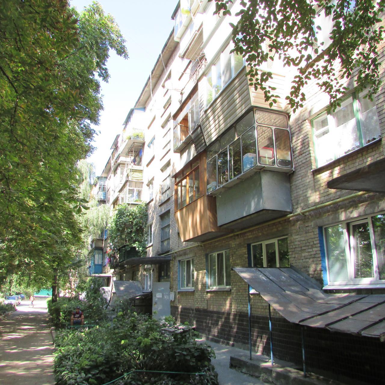 Фото 4 - Продам квартиру Киев, Бусловская ул.