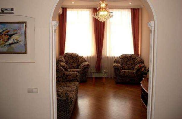 Сдается в аренду квартира класса «Люкс», новый авторский ремонт, новая мебель, 2-х спальная кровать и мягкий уголок, вся бытовая ...