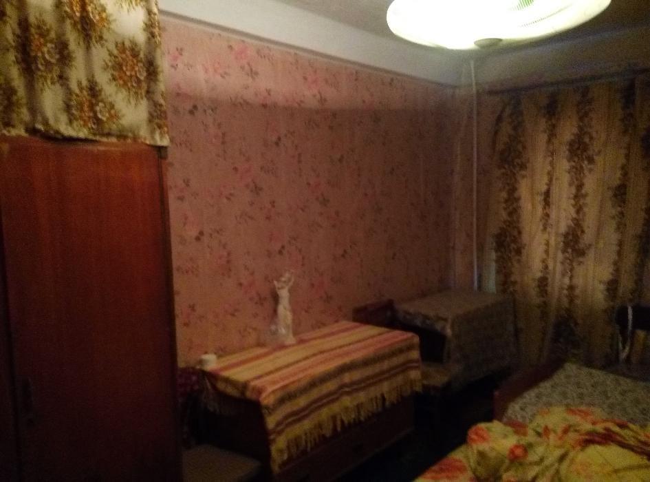 Фото - Продам квартиру Киев, Курнатовского ул.