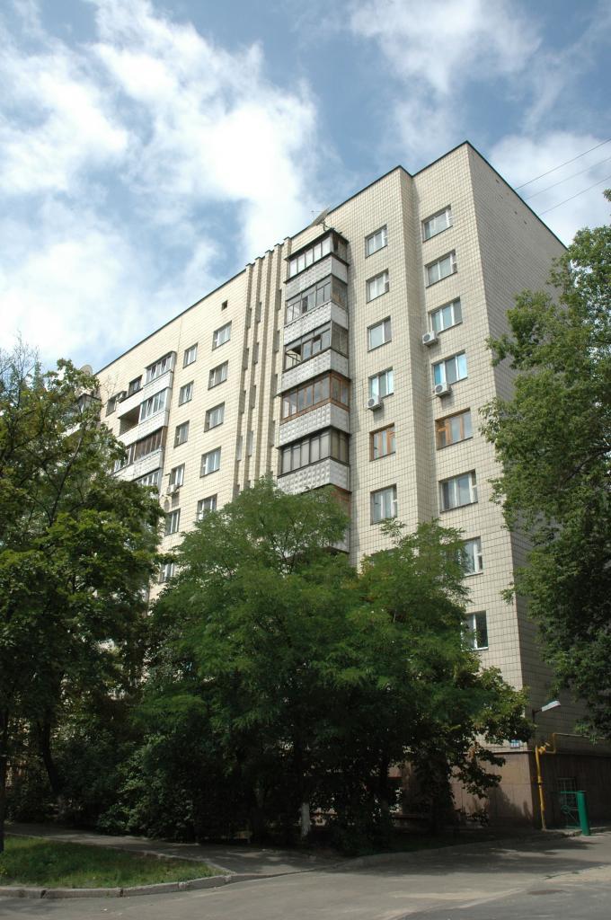 Фото 2 - Продам квартиру Киев, Предславинская ул.