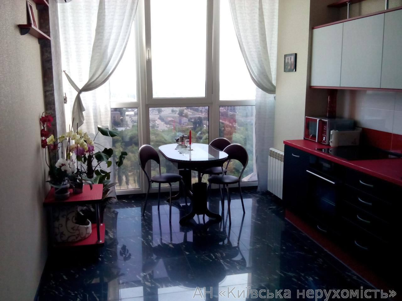 Фото 2 - Продам квартиру Киев, Красногвардейская ул.