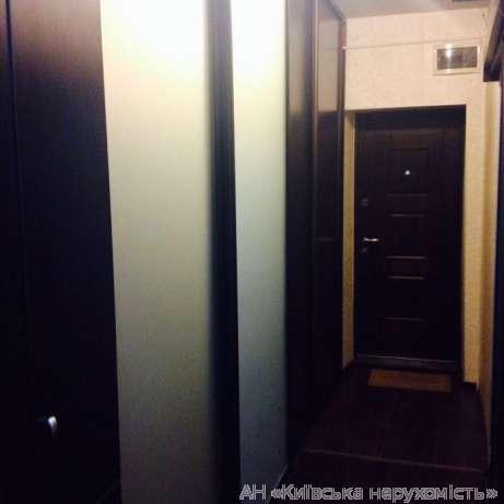 Фото - Продам квартиру Киев, Новополевая ул.