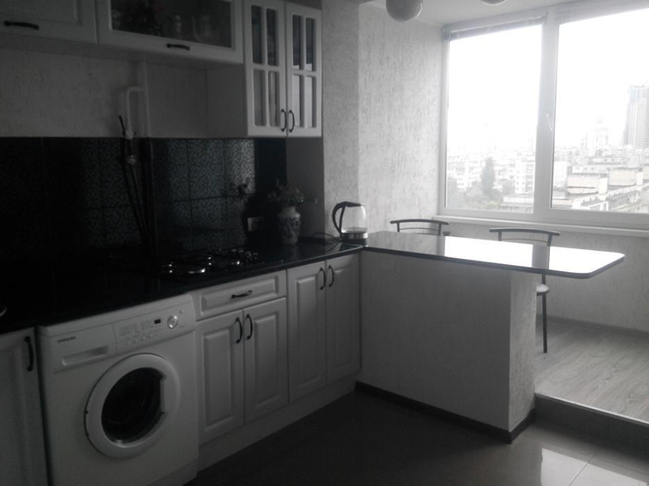 Фото - Продам квартиру Киев, Бучмы Амвросия ул.