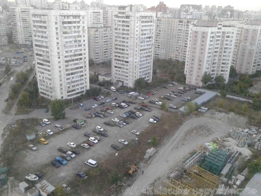 Фото 4 - Продам квартиру Киев, Крушельницкой Саломеи ул.