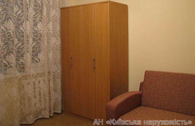 Фото 4 - Продам квартиру Киев, Ялтинская ул.