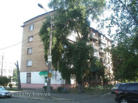 Фото 2 - Продам квартиру Киев, Сергиенко Ивана ул.