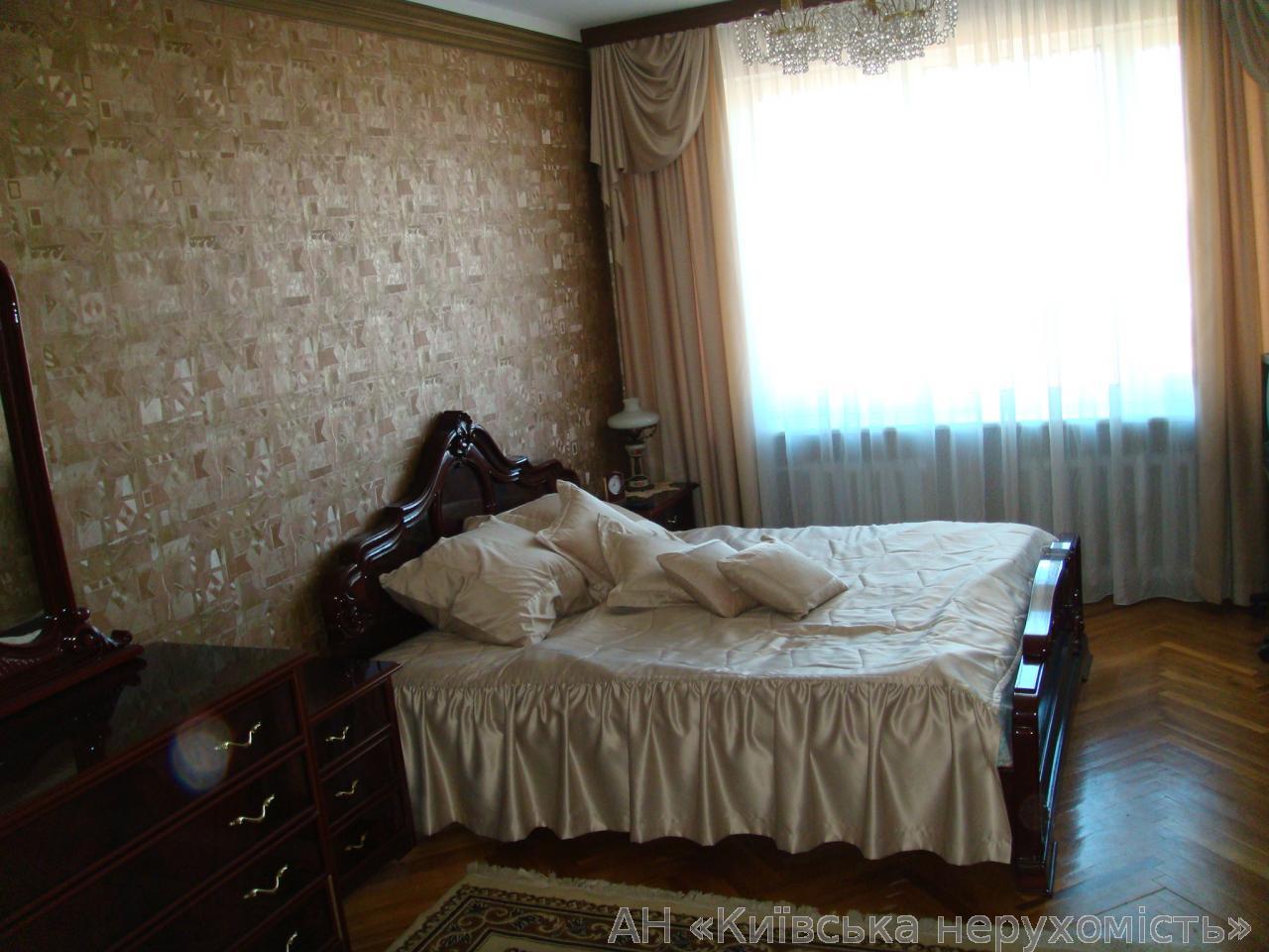 Фото 3 - Продам квартиру Киев, Старонаводницкая ул.