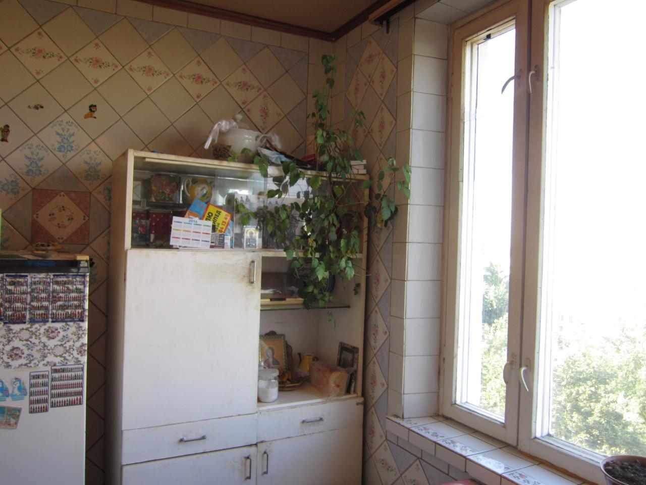 Фото 4 - Продам квартиру Харьков, Гвардейцев Широнинцев ул.