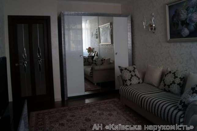 Фото 3 - Продам квартиру Киев, Гетьмана Вадима ул.