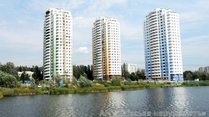 Фото 4 - Продам квартиру Киев, Антонова-Овсеенко ул.