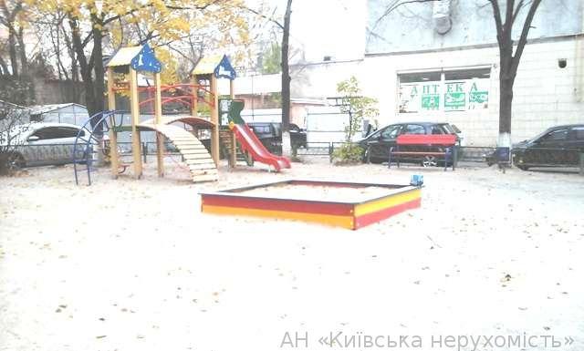 Фото 2 - Продам квартиру Киев, Златоустовская ул.