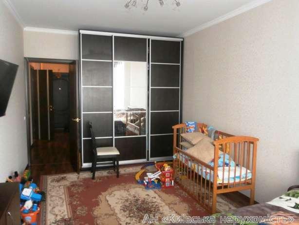 Фото 5 - Продам квартиру Киев, Ахматовой Анны ул.