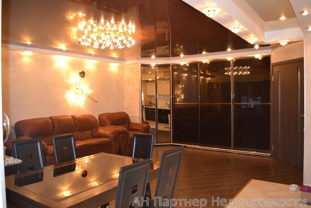 Фото - Продам квартиру Киев, Кудрявская ул.