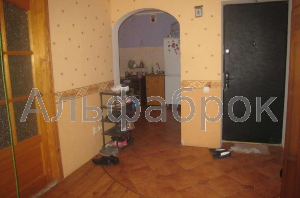 Продам квартиру Киев, Олевская ул. 3