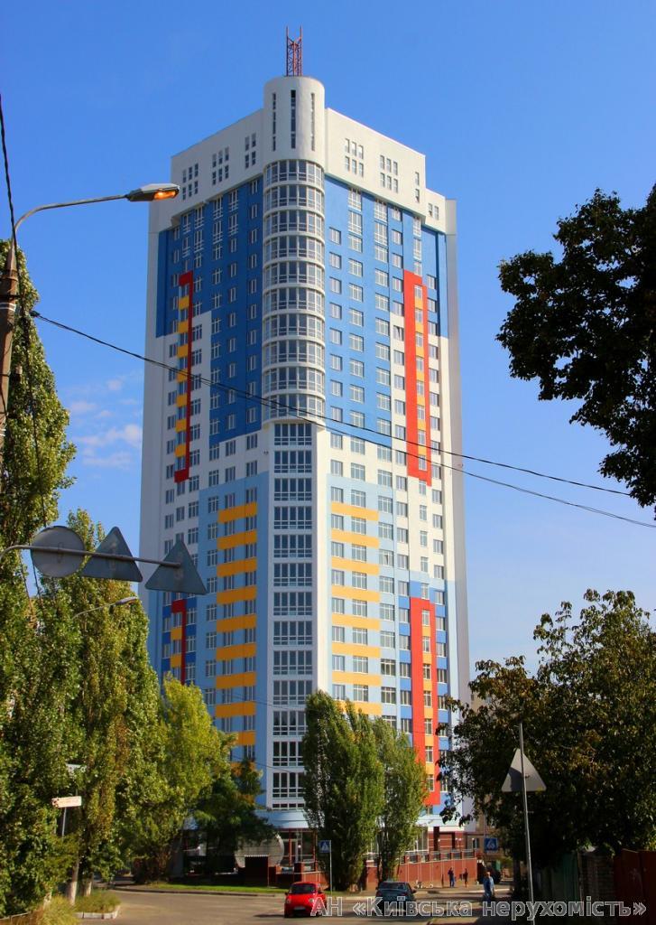 Фото - Продам квартиру Киев, Бакинская ул.