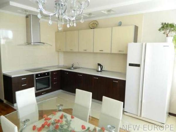 Продам квартиру Киев, Ахматовой Анны ул.