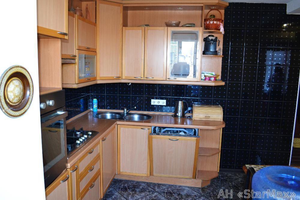 Продам квартиру Киев, Багговутовская ул. 2