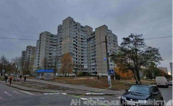 Фото - Продам квартиру Киев, Подлесная ул.