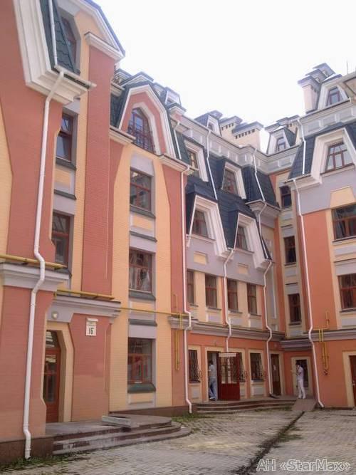 Продам квартиру Киев, Воздвиженская ул. 2