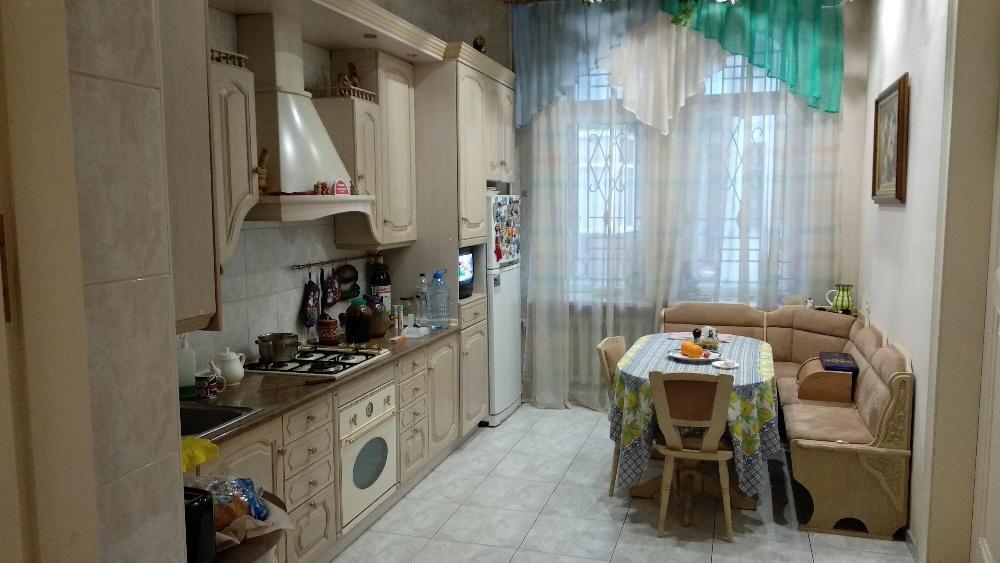 Продам квартиру Харьков, Садовая ул. 2