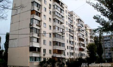 Продам квартиру Киев, Северная ул. 3