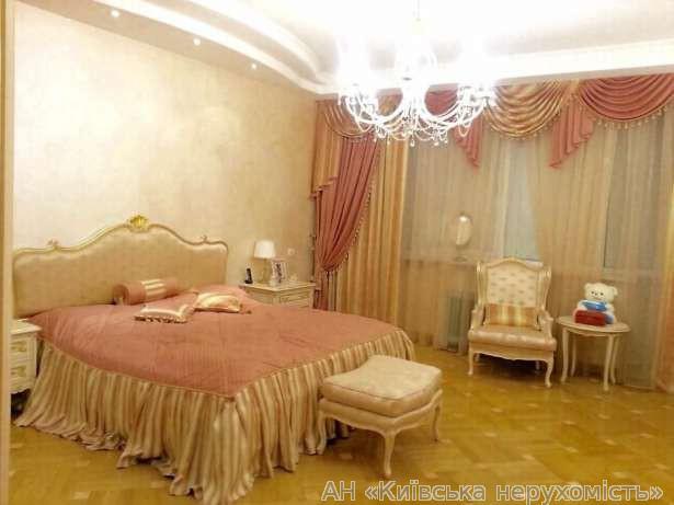 Продам апартаменты Киев, Старонаводницкая ул. 3