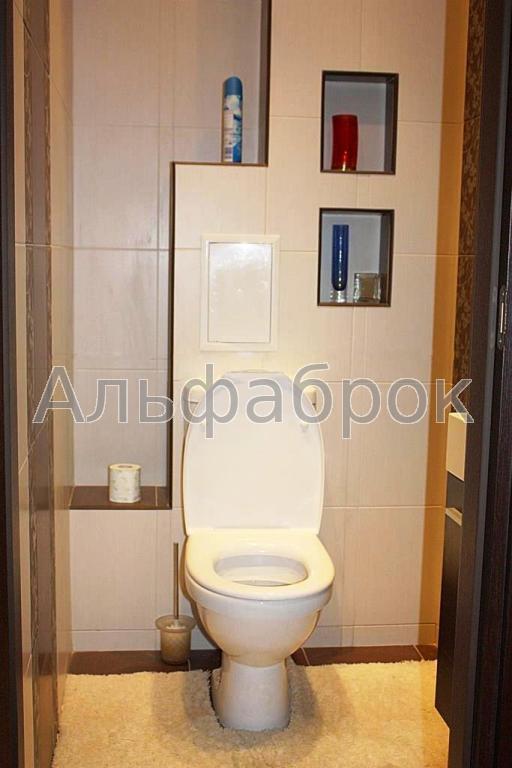 Продам квартиру Киев, Миропольская ул. 3