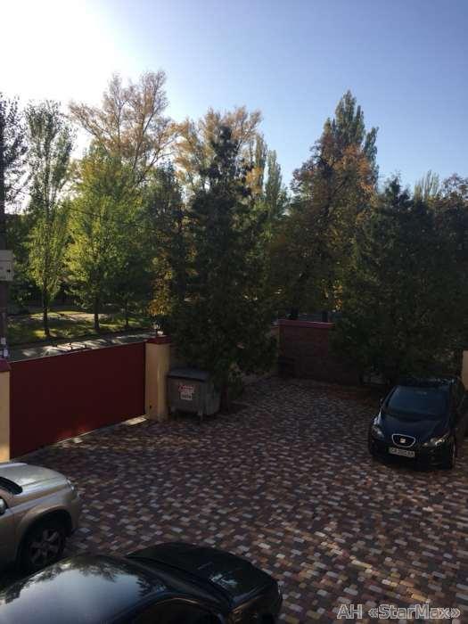 Продам квартиру Киев, Героев Севастополя ул. 3