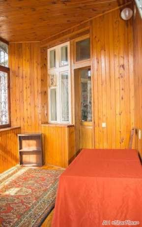 Фото 2 - Продам квартиру Киев, Десятинная ул.