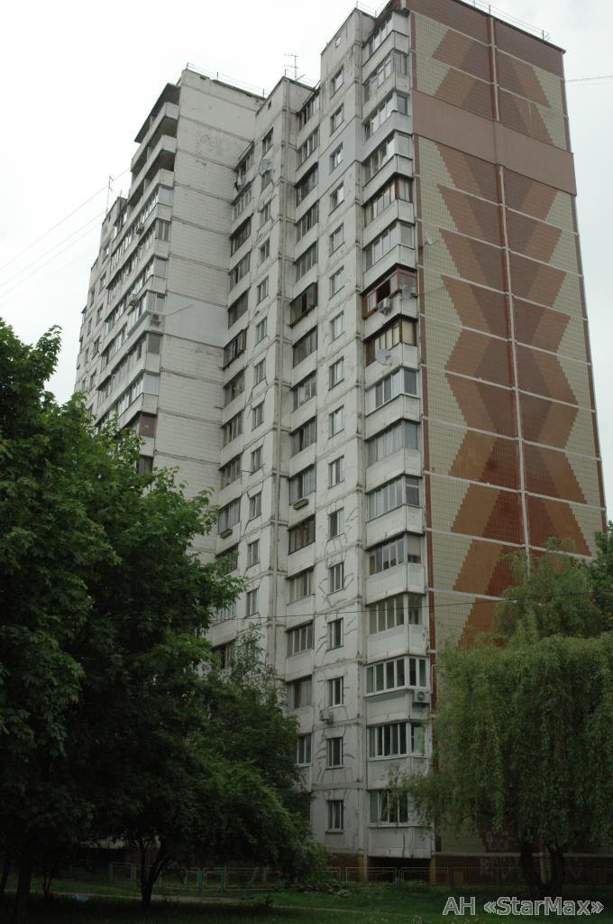 Продам квартиру Киев, Бережанская ул. 3