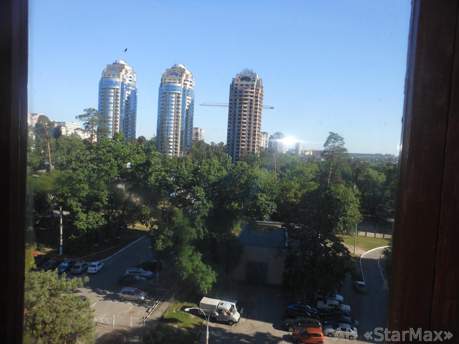 Продам квартиру Киев, Чернобыльская ул. 2