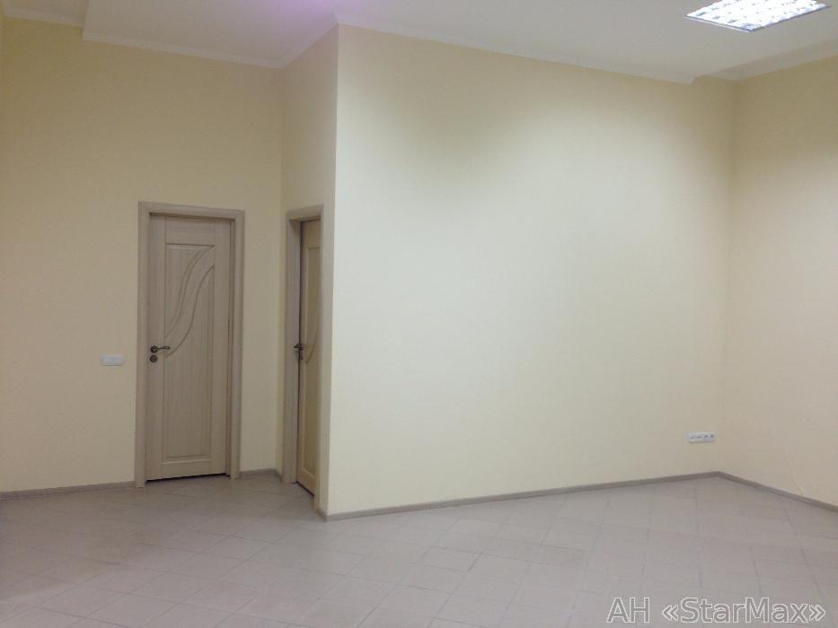 Продам офисное помещение Киев, Якира ул. 2